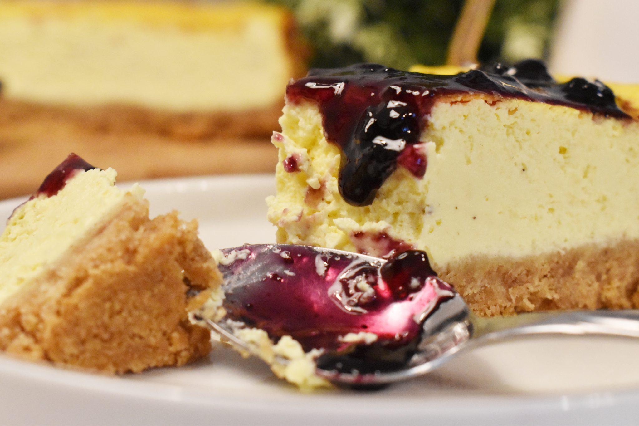 Cheesecake cu mascarpone si smantana dolofana