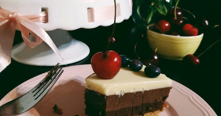1 an de blog si un tort cu ciocolata…fara zahar