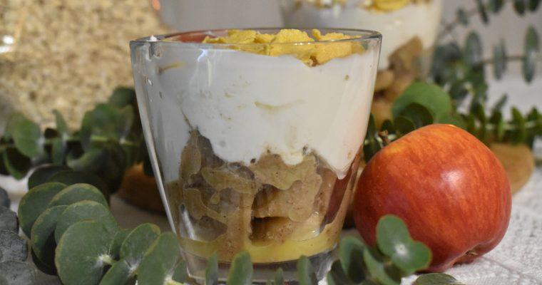 Parfait cu mar si iaurt grecesc