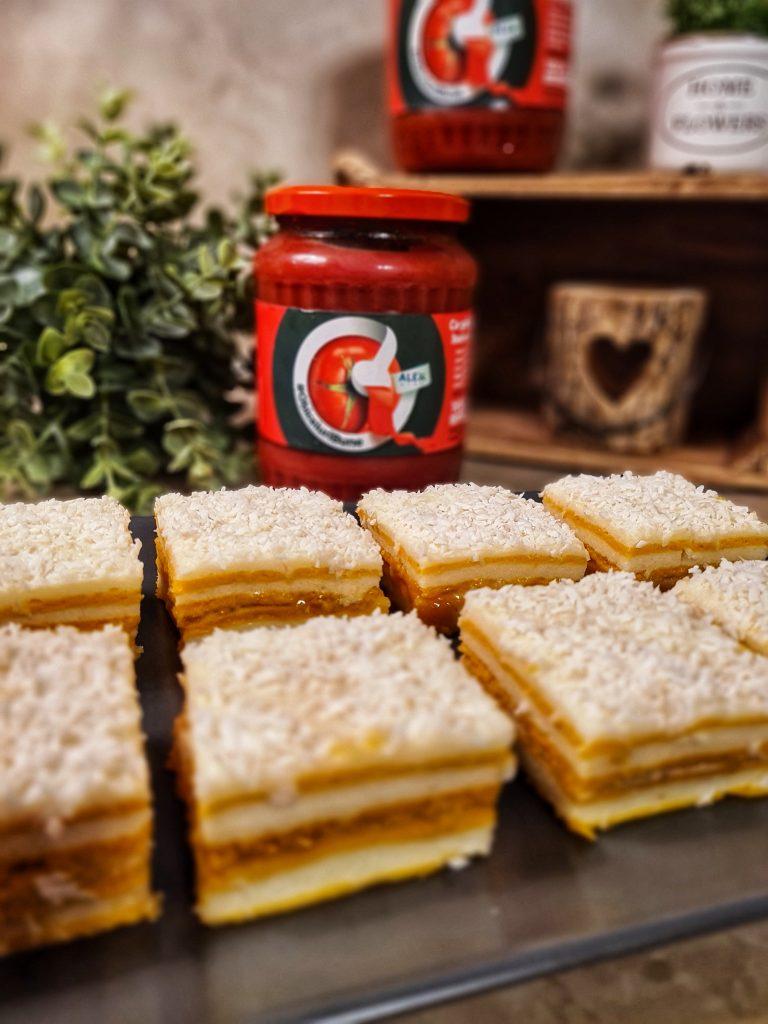 Prăjitură cu foi de bulion sau suc de roșii
